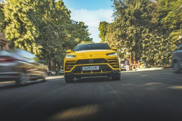Lamborghini Urus sets New Speed Record on Ice
